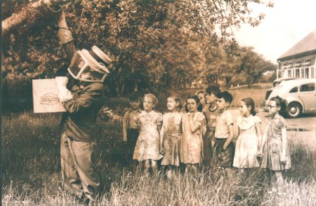 1939: Someone was called to remove a bee's nest from a tree outside the entrance to the school.  The children were allowed to stand by and watch!